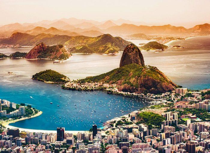 plage paradisiaque au brésil, coucher de soleil